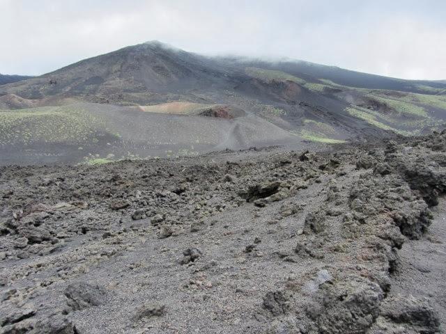 helling van de Etna, op weg naar de krater