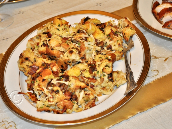 Stuffing with Bacon, Cornbread & Chestnuts