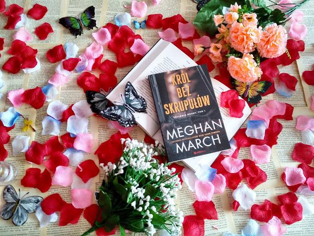 """Ognista piękność, władczy król i wiążąca umowa, czyli recenzja powieści Meghan March pt.""""Król bez skrupułów"""""""
