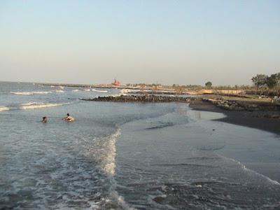 Keindahan Pantai Tirtamaya Indramayu Jawa Barat