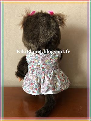 Robe fleurie faite main pour Kiki ou Monchhichi, vêtement poupée, vintage, handmade, couture