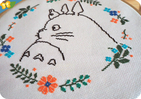 Point de croix Totoro