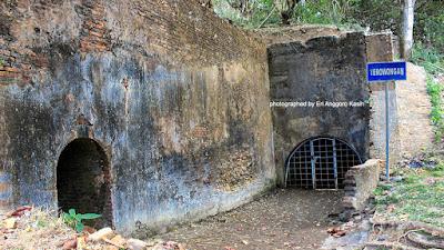 Terowongan di Benteng Pendem Cilacap.