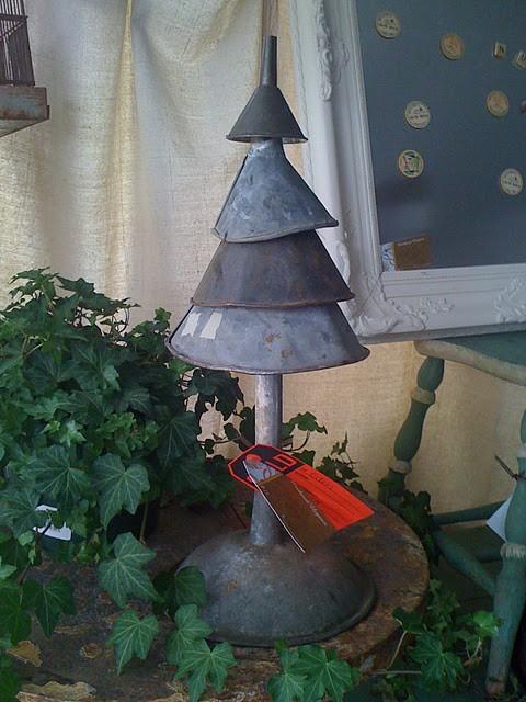 Dishfunctional designs unique and unusual christmas trees for Unusual christmas trees
