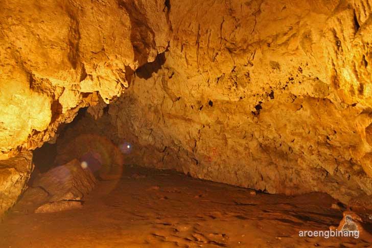 gua mimpi bantimurung maros