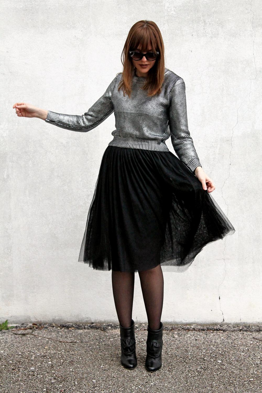 Gonna In Tulle Nero Crop Top E Calze Con Cuori | Amemipiacecosi - Fashion Blog Italia Fashion ...