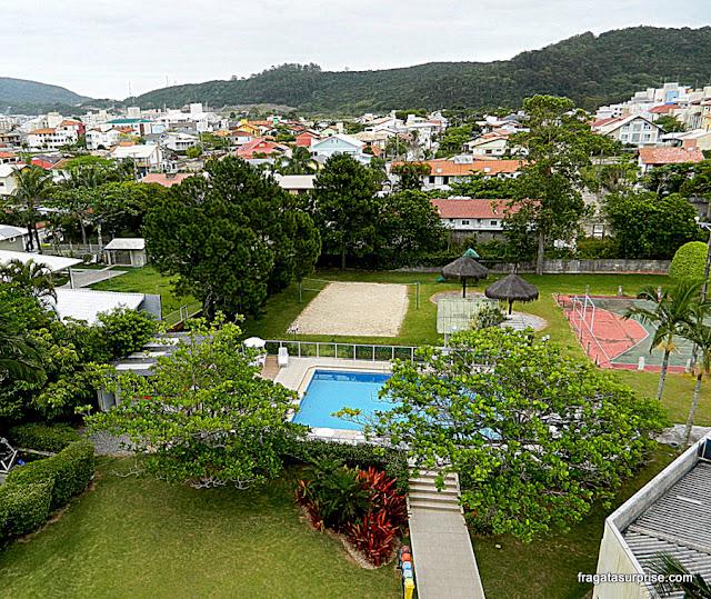 Jardins e piscina do Hotel Porto Sol Ingleses, Praia dos Ingleses, Florianópolis