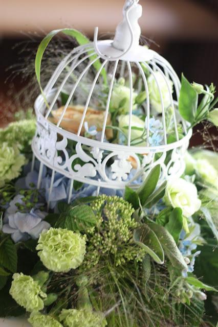 Bird cage center pieces - Birdcage vintage wedding - Irish wedding in Bavaria, Riessersee Hotel Garmisch-Partenkirchen, wedding venue abroad