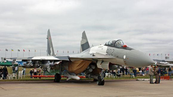 Su-35 saat MAKS 2009