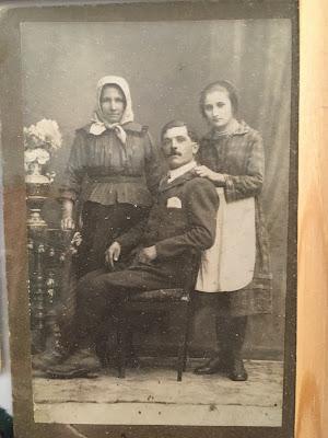 Dédszüleim (Zsombori János, Lukács Lídia) és nagyanyám