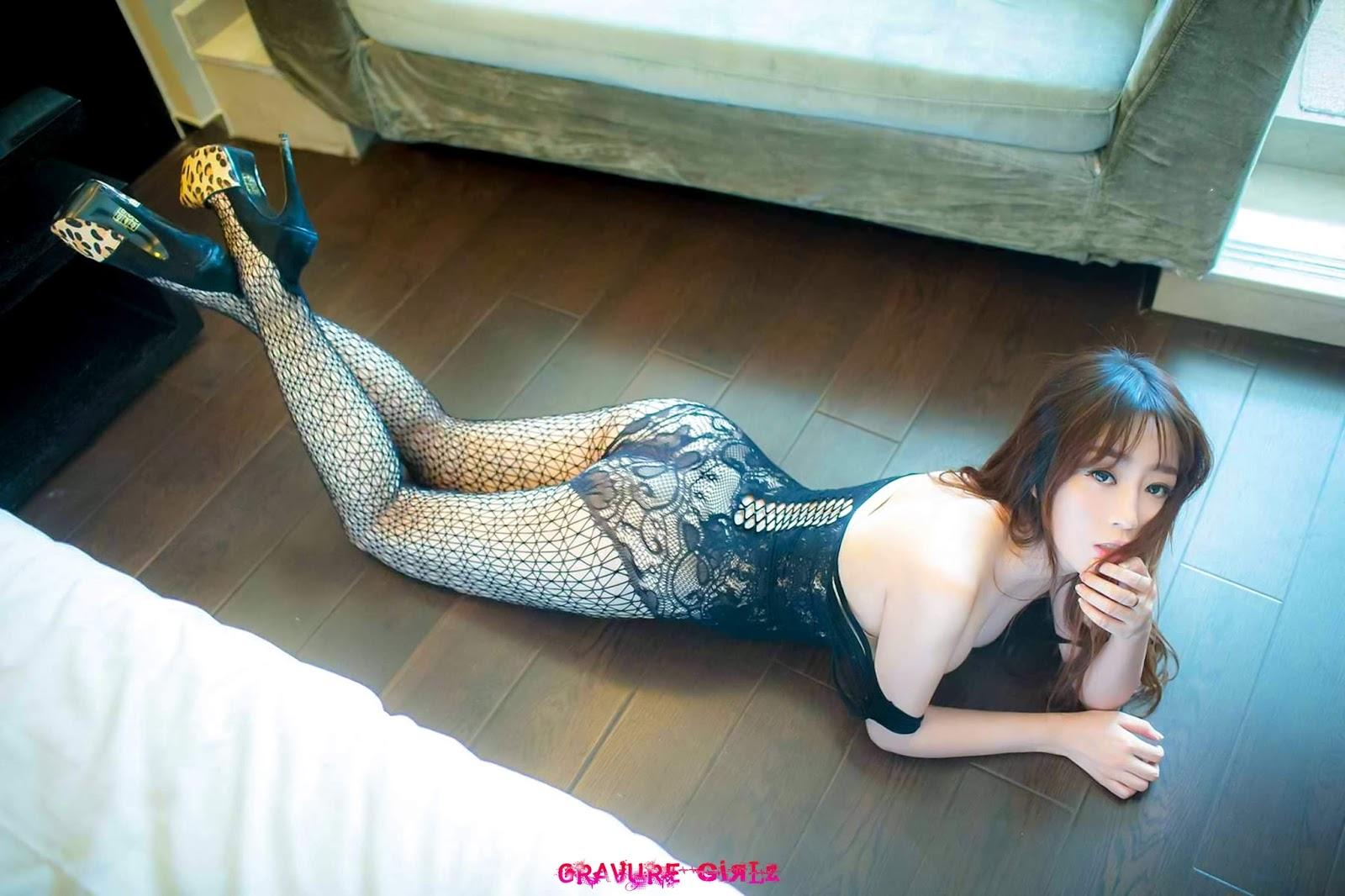 Wang Yu Chun 王語純 Huge Boobs Chinese Girl Nude Gallery ...