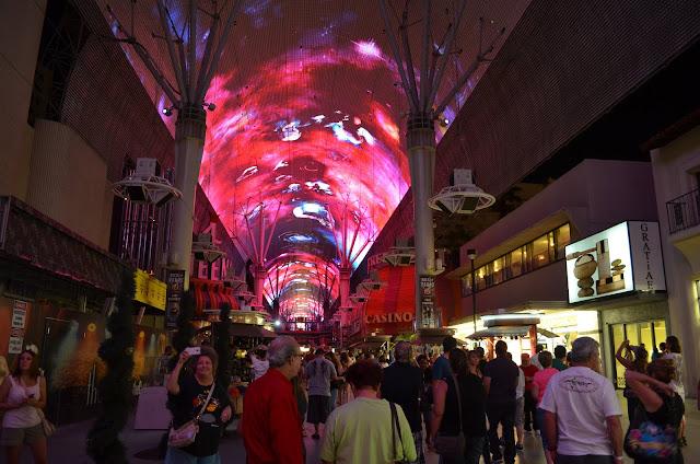 Fremont Street e o show de luzes.
