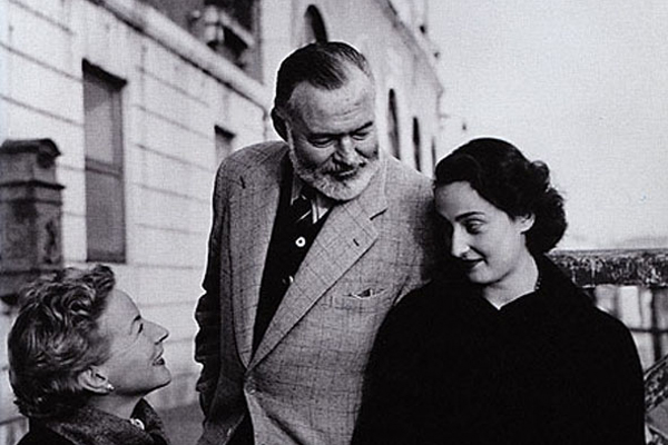 the theme of love in ernest hemingways a farewell to arms This one-page guide includes a plot summary and brief analysis of a farewell to arms by ernest hemingway fall in love when recuperated this is his second.
