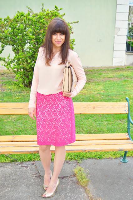 Who wants to be more offline?_Katharine-fashion is beautiful_Čipkovaná sukňa_Zlaté lodičky_Katarína Jakubčová_Fashion blogger