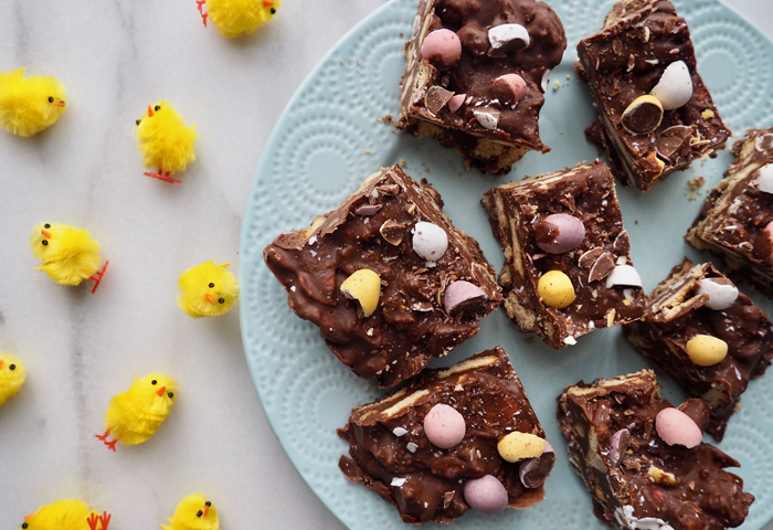 easter baking mini eggs chicks no bake cake good friday easter sunday bank holiday easy kirstie pickering blog instagram flatlay chocolate digestive biscuits