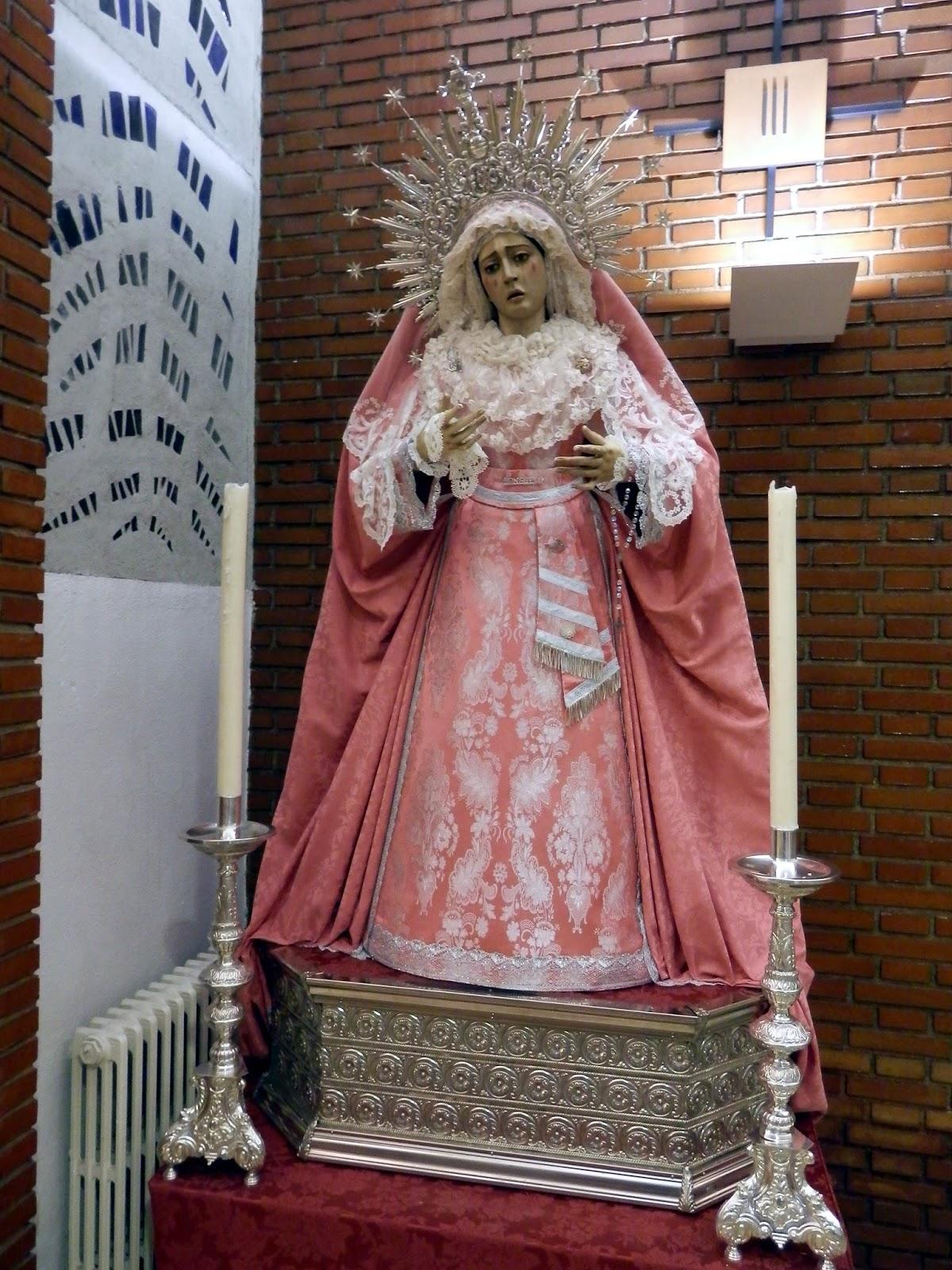 Cofradía De La Flagelación La Virgen Del Consuelo Vestida