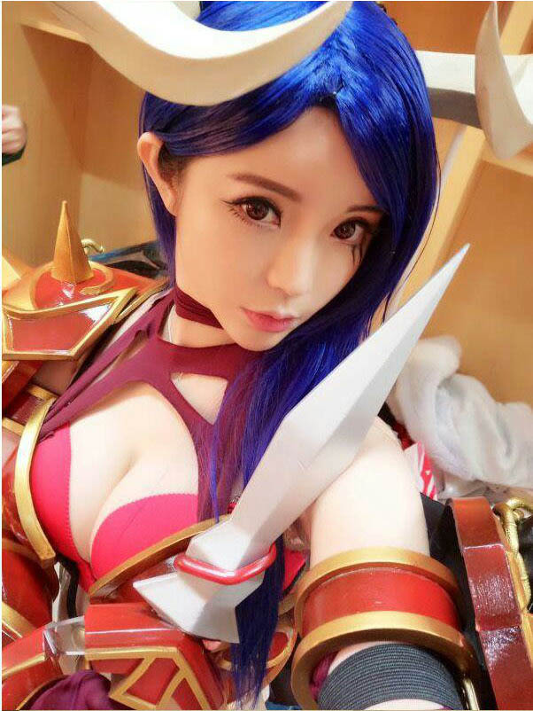 lang nhan sexy queen of pain cosplay 02