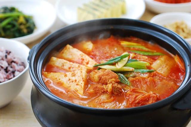 Cách nấu canh kim chi Hàn Quốc ngon tại nhà