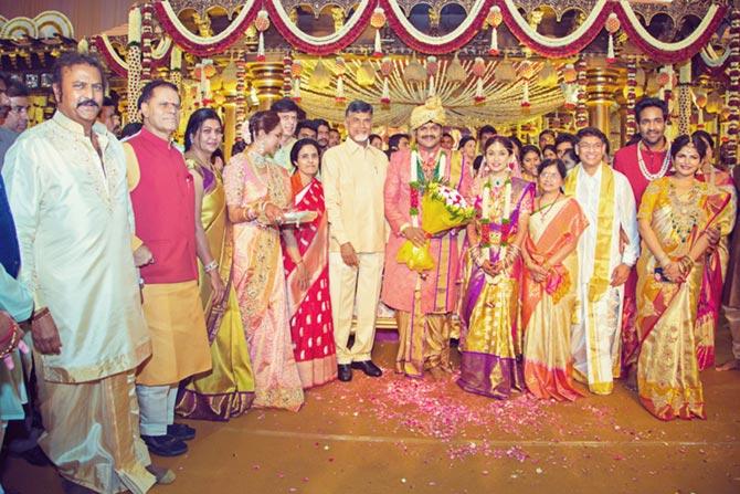 Y S Jaganmohan Reddy, Manoj Manchu and Pranathi Reddy Wedding Pics