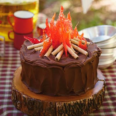bolo festa junina diferente estiloso divertido bonito elegante junino quermese aniversario casamento quadrilha chocolate fogueira rustico fino