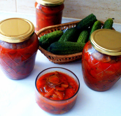 ogorki-w-pomidorach