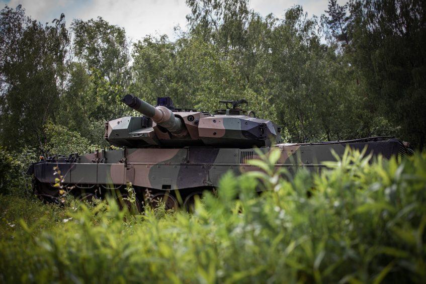 Польща отримала перші модернізовані танки Leopard 2PL