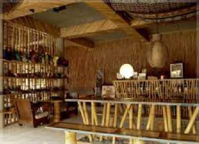 desain warung kopi dari bambu tradisional