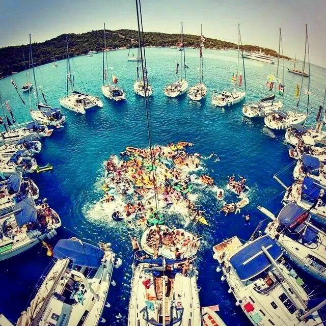 ocean-party-greece-yachts-the-yacht-week-tyw