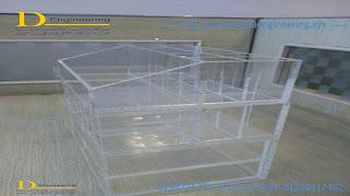 acrylic stand display