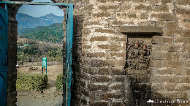 Baijnath Temple of Himachal Pradesh with the view of Dhauladhar Range. Rohit kalayana www.himalayanwomb.blogspot.com
