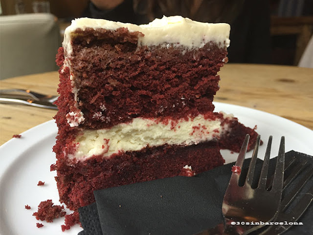 Red Velvet cake in Alsur cafe, born