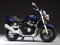 Suzuki GSX 1400F 2003 (Die-Cast) 1:24 IXO