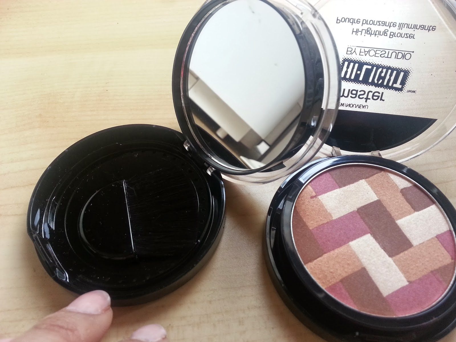 Behonestbeauty First Look Maybelline Master Hi Light Blushes