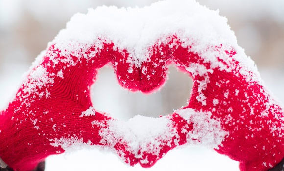 love heart snow hands 5k 5120x2880 - Valentine Images For Lovers | Valentines Day Love Wallpapers 2018