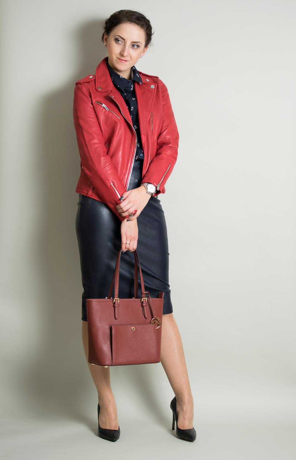 http://www.zocha-fashion.pl/2016/12/skorzana-czerwona-ramoneska-koszula-w.html