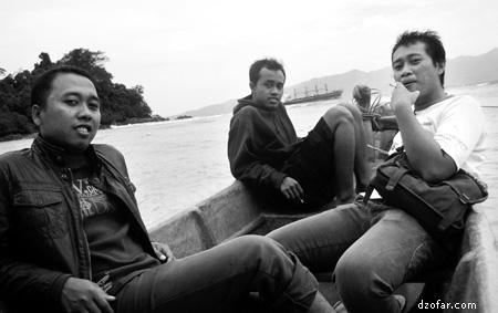Naik perahu di Karanggongso Trenggalek