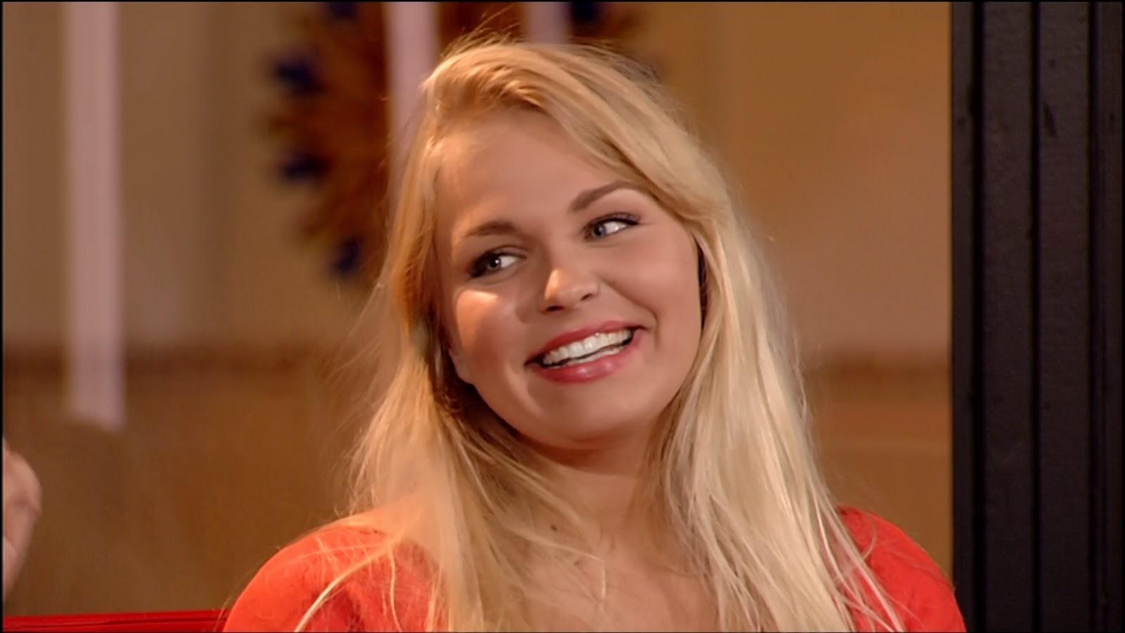 Julie Van Der Steen.Belgische Movies Julie Van Den Steen Nieuwe Sidekick Peter