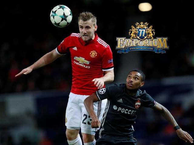 Salah Satu Lagenda Manchester United, Berharap Shaw Masih Punya Kesempatan.