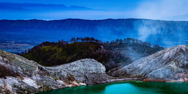 Ijen Tour and travel, we offer cheap price tour for ijen tour and trip, ijen tour from surabaya, ijen tour from bali, ijen tour from banyuwangi. ijen tour and trip to ijen tourism, more information about Ijen Tour, contact us.