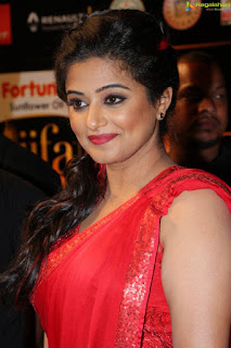 Priyamani, Biography, Profile, Age, Biodata, Family, Husband, Son, Daughter, Father, Mother, Children, Marriage Photos.