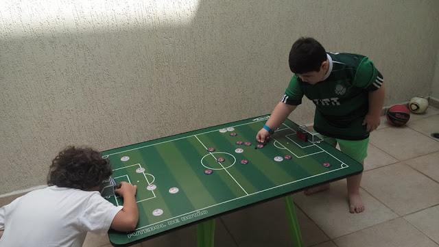 Futebol de Botão com amigo