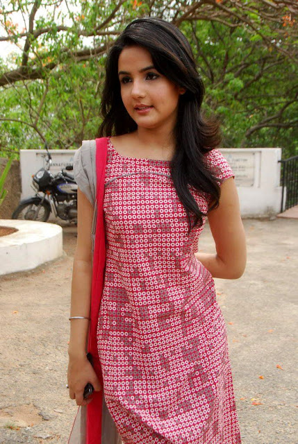 Fappening Hot Jasmin Bhasin 	2011  nude (62 pics), 2019, see through
