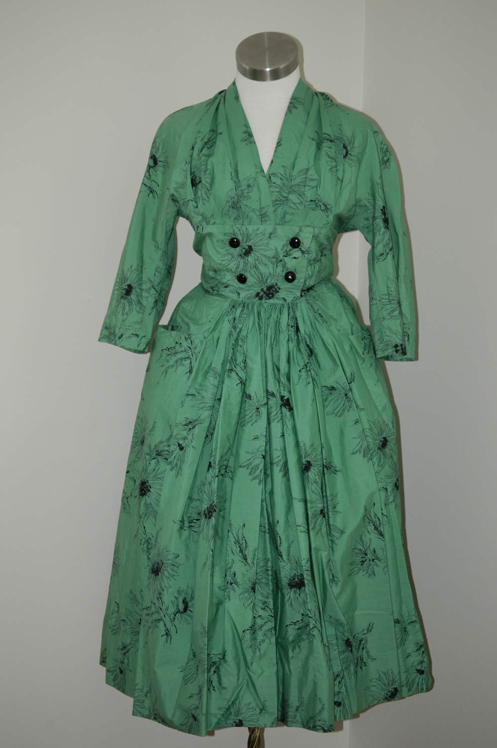 Vintage Clothing Do You Think Its Coming Back: Carrie's Vintage Finds: 1950s Horrockses Dresses