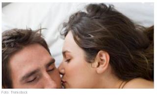 Cara Membuat Hubungan Seks Makin 'Panas', Tanpa Penetrasi ke Mss V