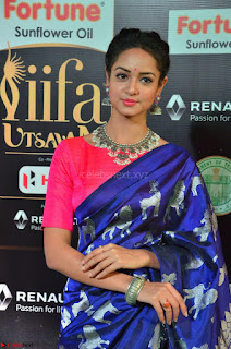 Shanvi Looks Super Cute in Pink Backless Choli Blue Saree at IIFA Utsavam Awards 2017 12.JPG