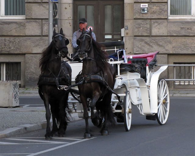 Horse-drawn carriage, Zietenplatz, Berlin