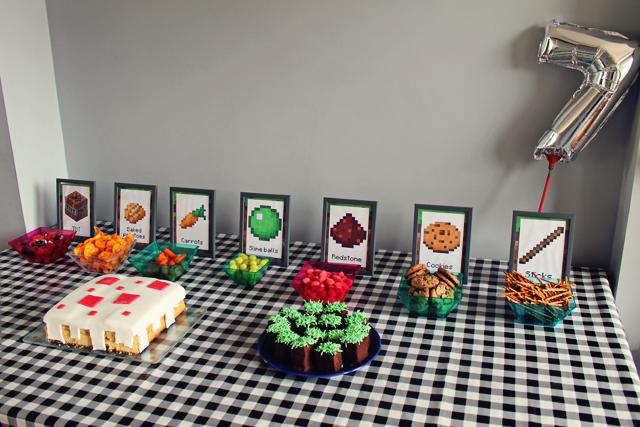 Mizflurry minecraft feestje deel 3 verjaardag thuis feesttafel versieringen en spelletjes - Voor thuis ...
