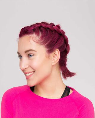 peinado corto con trenza color rojo