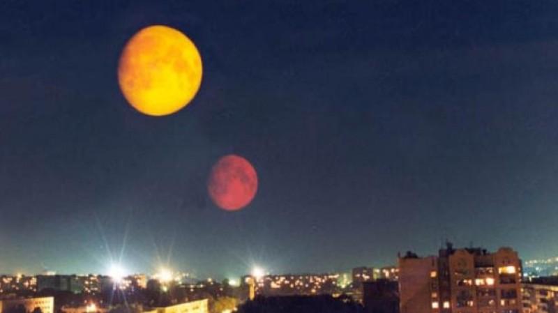 Ilustrasi bulan kembar