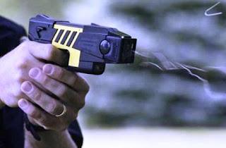 """La novedad la dio a conocer el propio Ministro de Gobierno que a Radio Concepto explicó que """"lo que nos han mostrado nos ha gustado mucho porque realmente es un arma que no es letal y que entre utilizar un arma letal contra una persona, nosotros preferimos el arma no letal""""."""